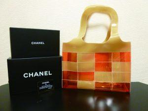 「【NEW item】CHANEL(シャネル)ビニールトートバッグ オレンジ×ベージュ【中古/美品】」のアイキャッチ